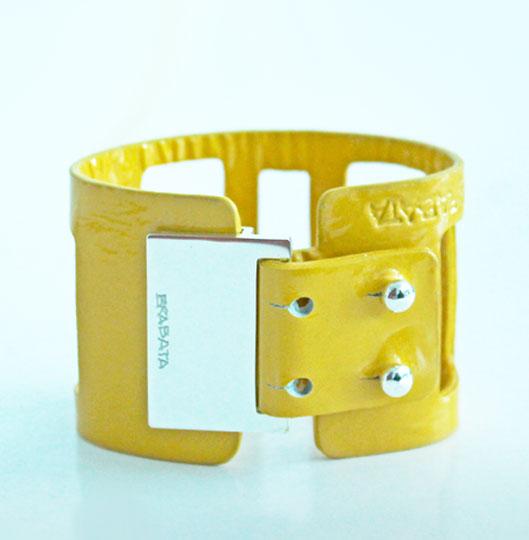 galardones-edith-brabata-bienal-coleccion-mi-piel-pulsera-ventanas